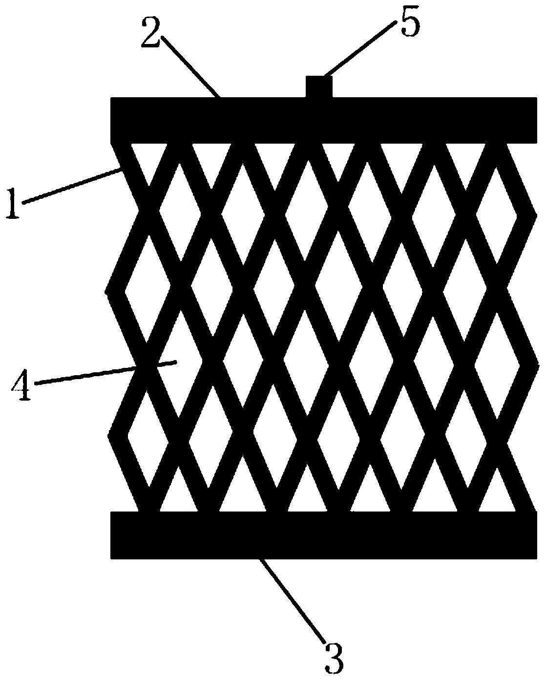 权利要求书   1.一种用于电化学处理重金属污水的网状电极,包括一块电极板,其特征在于:所述电极板固定安装在上绝缘层与下绝缘层之间,所述电极板表面均布有若干个网孔,所述网孔的形状为菱形,网孔的菱形边长为1-2cm,菱形的夹角为40-50度,菱形的金属边宽度为0.2-0.4cm。   2.